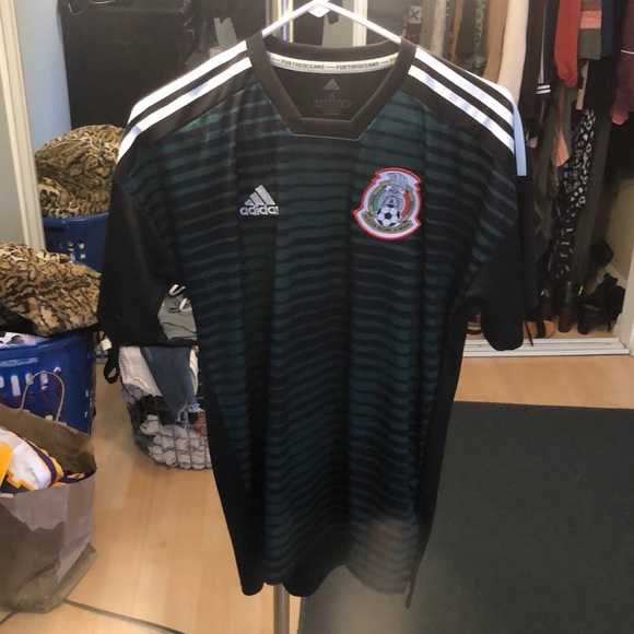 differently 05f8f 379d3 Mexico Chivas 2018 soccer Jersey